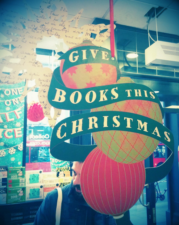 la libreria waterstone's a londra