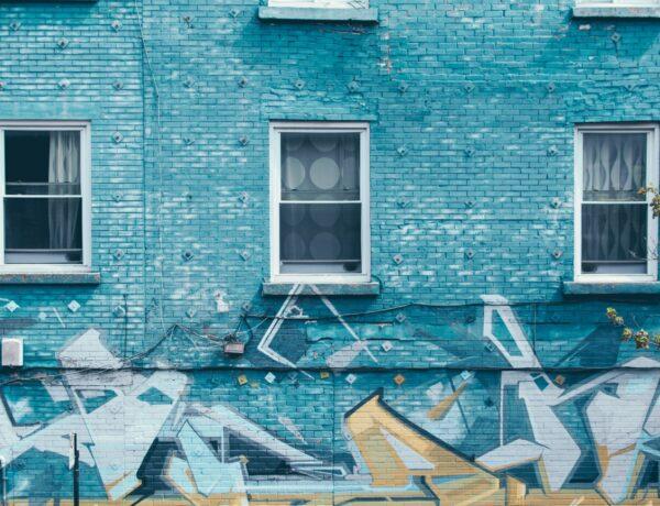 un muro blu a montreal, canada